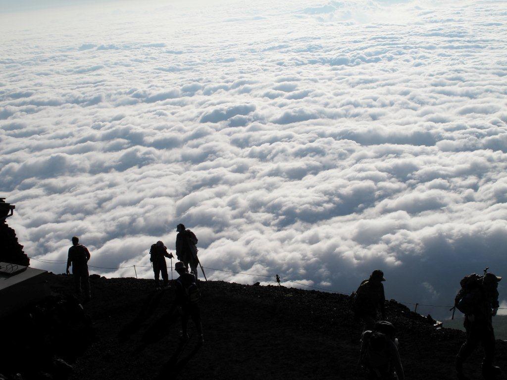 雲海を歩く